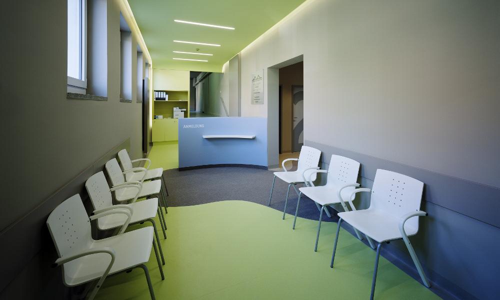 Anmeldung/ Wartezimmer Standort Naumannstr.